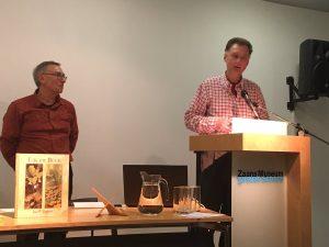 Met Rob Wolfs tijdens de presentatie in het Zaans Museum.
