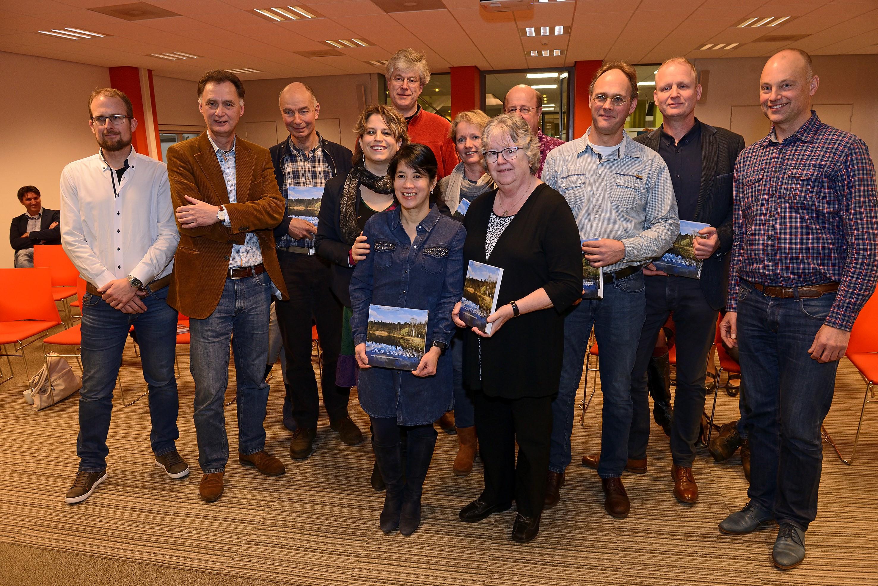 Met Willemien Vreugdenhil, familie Idema, Arjan Vriend en geïnterviewden tijdens de presentatie op 2 december.